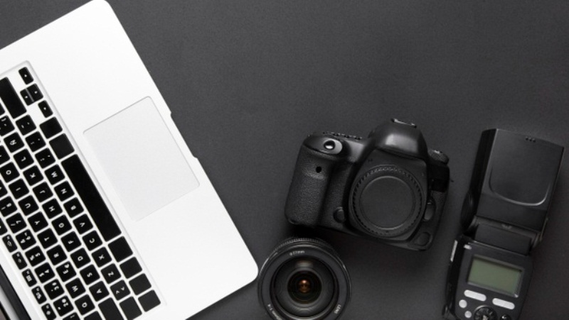 Should I Be a Blogger or a Vlogger? – The Right Answers If You Have This Question
